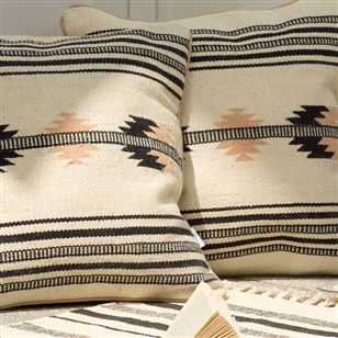 Southwestern style cushion navajo design au maison for Au maison cushion
