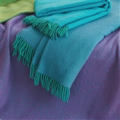 Luxury Wool Throw With Diagonal Weave And Fringing